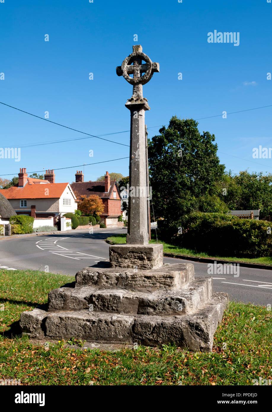 Long Wittenham village cross, Oxfordshire, England, UK - Stock Image
