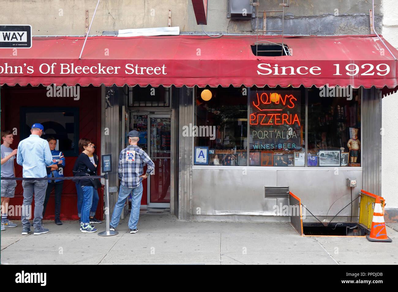John's of Bleecker St., 278 Bleecker St, New York, NY - Stock Image