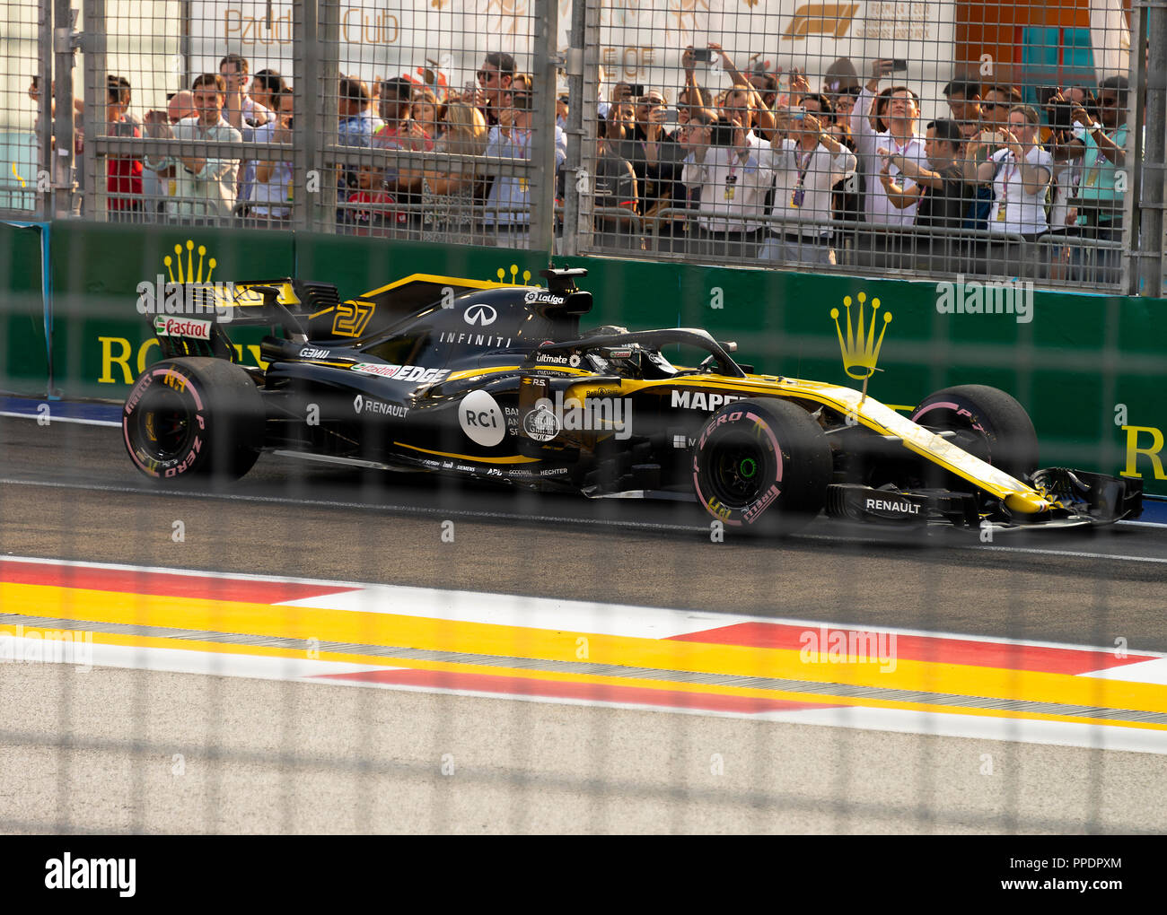 Motor Sport Fans Stock Photos Images Alamy Circuit Map For Bromyard Speed Festival A Renault Formula One Team Racing Car At The Pit Exit Of