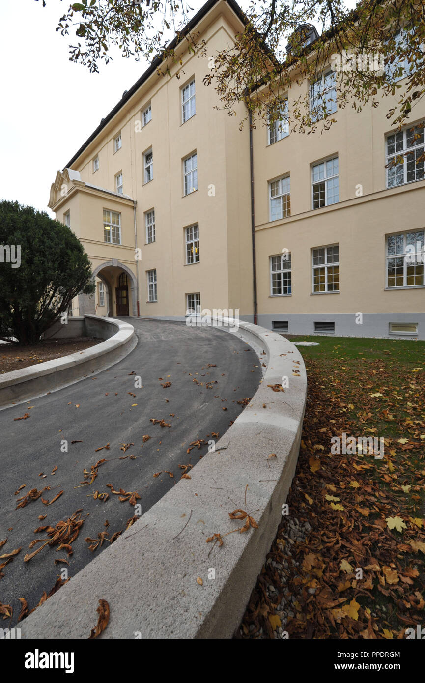 Freshly renovated psychiatric clinic of the kbo-Isar-Amper-Klinikum on the grounds of Hospital Schwabing. - Stock Image