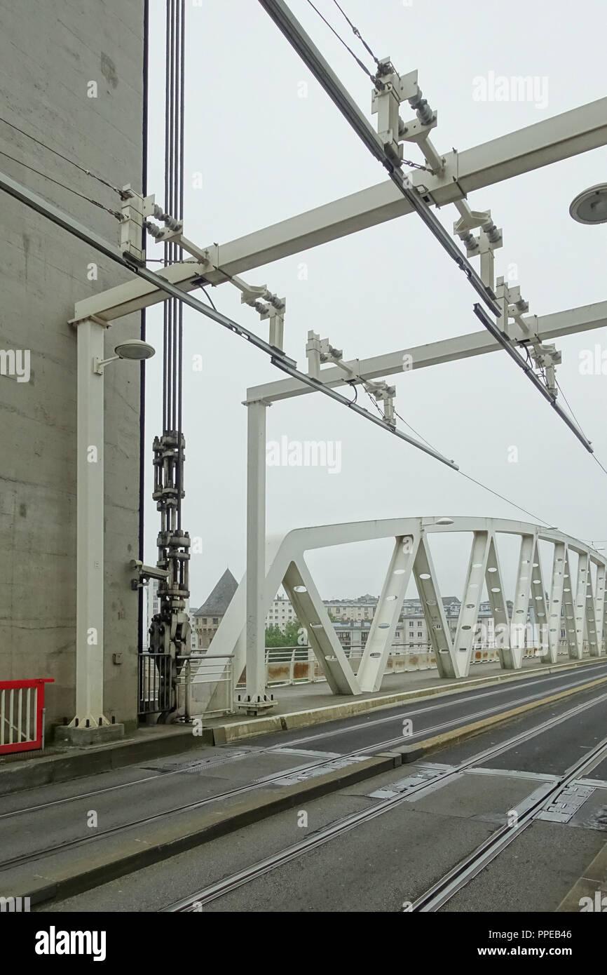 Brest, Tramway, Linie A, Pont de Recouvrance Stock Photo