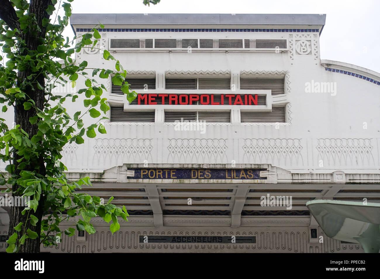 Paris, Metro Linie 3bis, Art-Déco-Entrée Stock Photo: 220363894 - Alamy