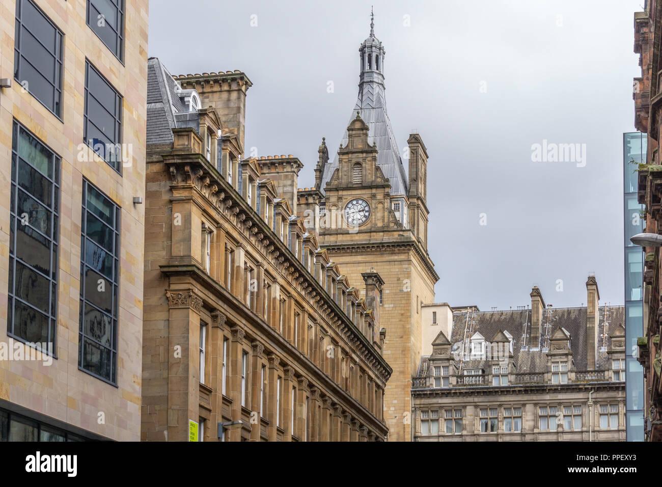Glasgow City, Scotland, UK - September 22, 2018: Impressive architectural design of the Central Station's Clock Tower. - Stock Image