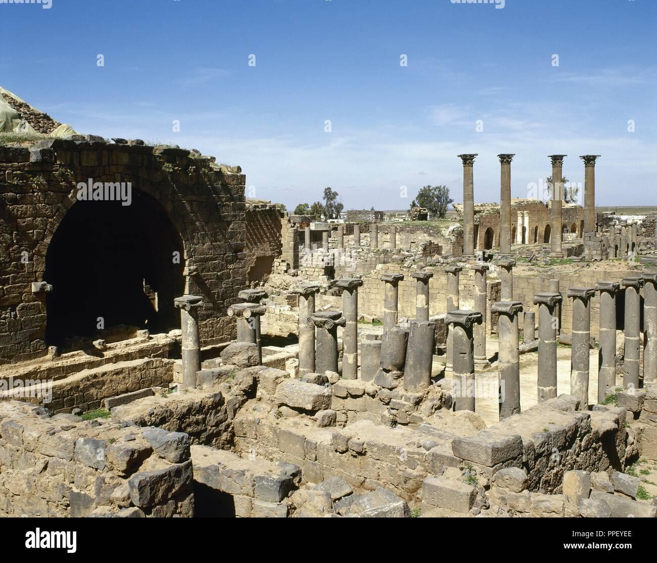Arte Romano Proximo Oriente Bosra Ruinas De La Zona Arqueologica - Baos-antiguos