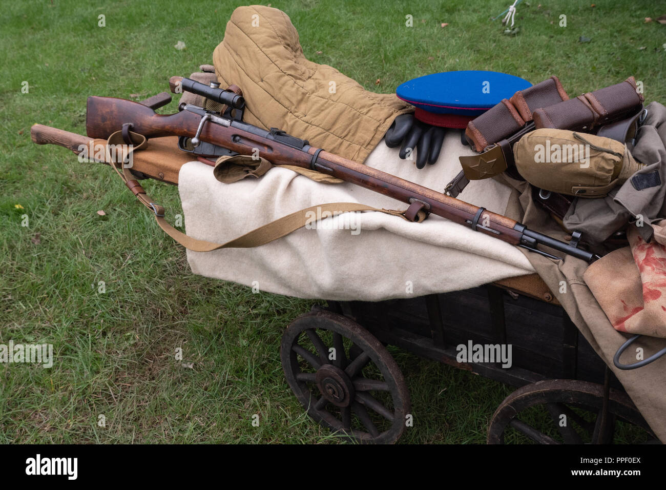 Mosin–Nagant Soviet sniper rifle Stock Photo: 220376546 - Alamy