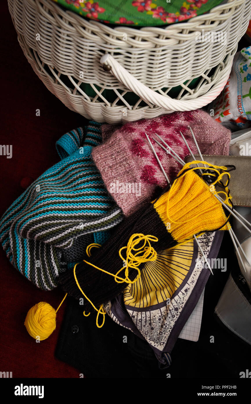 Crocheting, knitting and needlework at 'Knit Nite Unplugged' at the Festival of Independents, House of Art, Munich, Germany - Stock Image