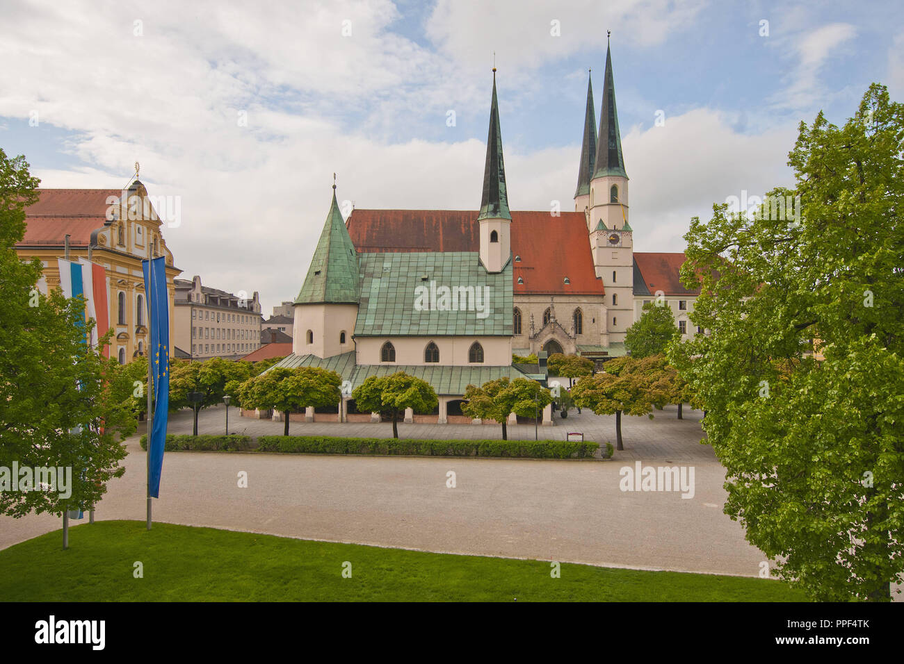 The Shrine of Our Lady of Altoetting (also known as the Chapel of Grace) on the Kapellplatz. The chapel houses the Black Madonna, which is highly revered by Pope Benedict XVI, Altoetting, Upper Bavaria, Bavaria, Germany. - Stock Image