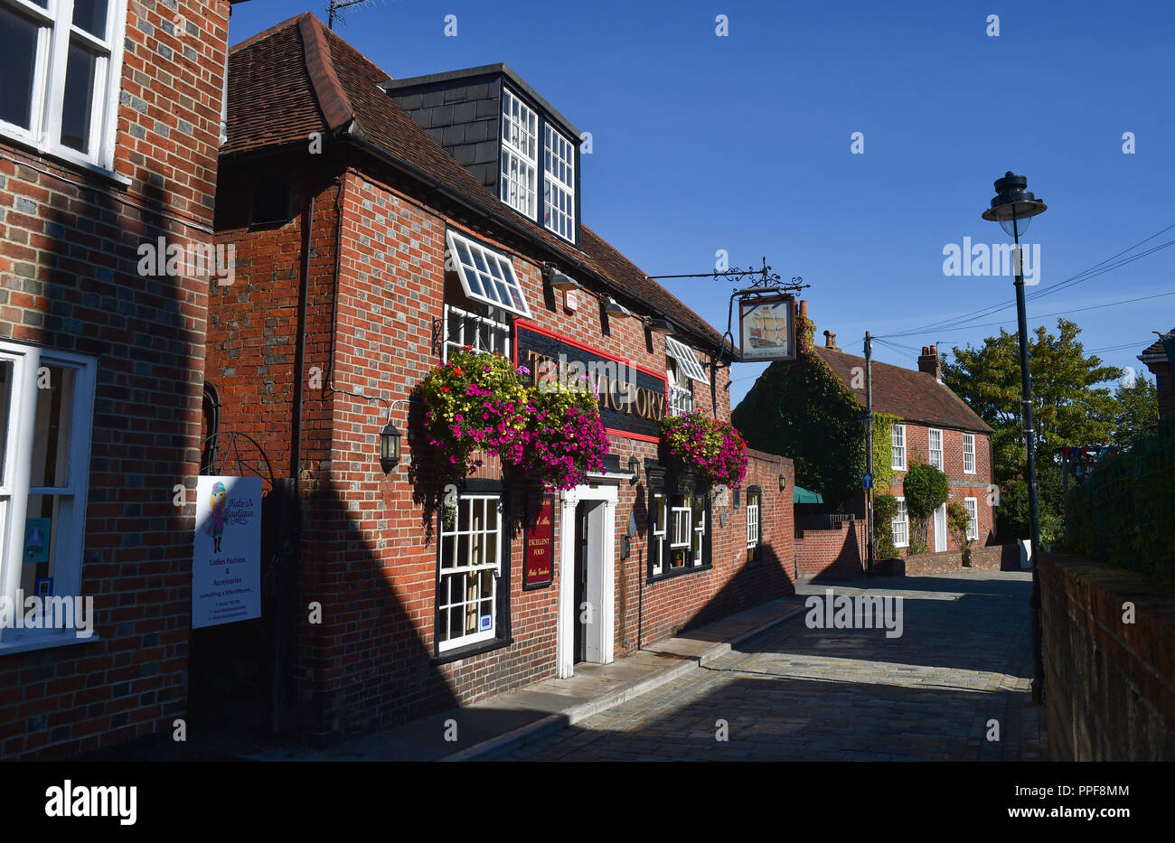The Victory Inn pub in  picturesque quaint village of Hamble le Rice on the River Hamble near Southampton in Hampshire - Stock Image