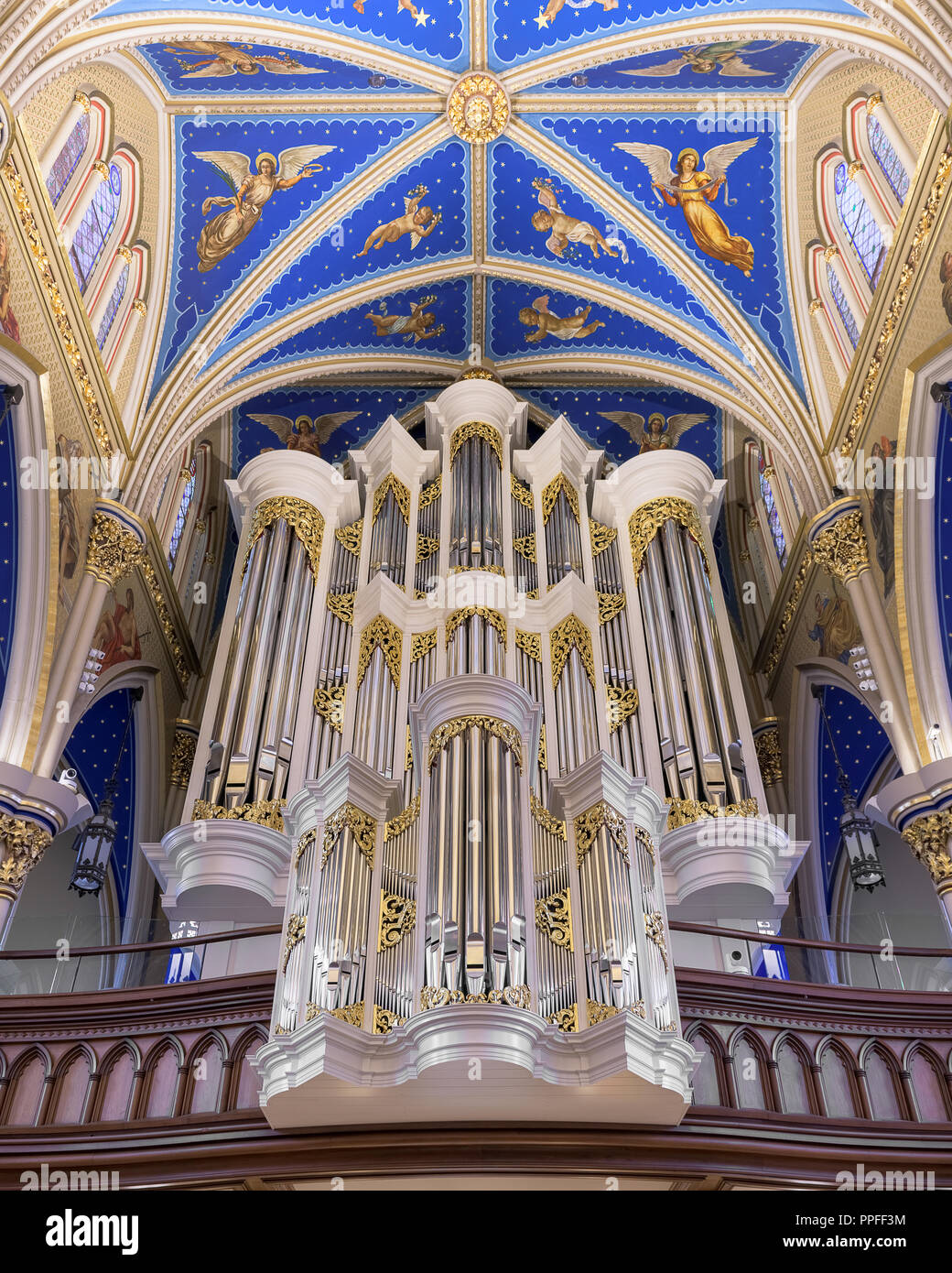 Pipe organ inside the historic Basilica of the Sacred Heart on the campus of the University of Notre Dame in South Bend, Indiana - Stock Image