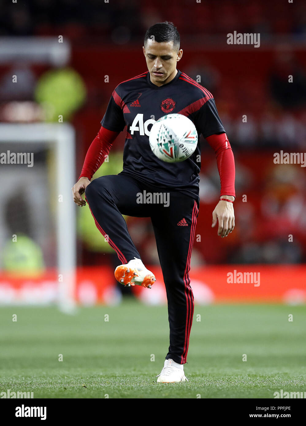 low priced 94945 b2976 Manchester United's Alexis Sanchez warms up prior to the ...