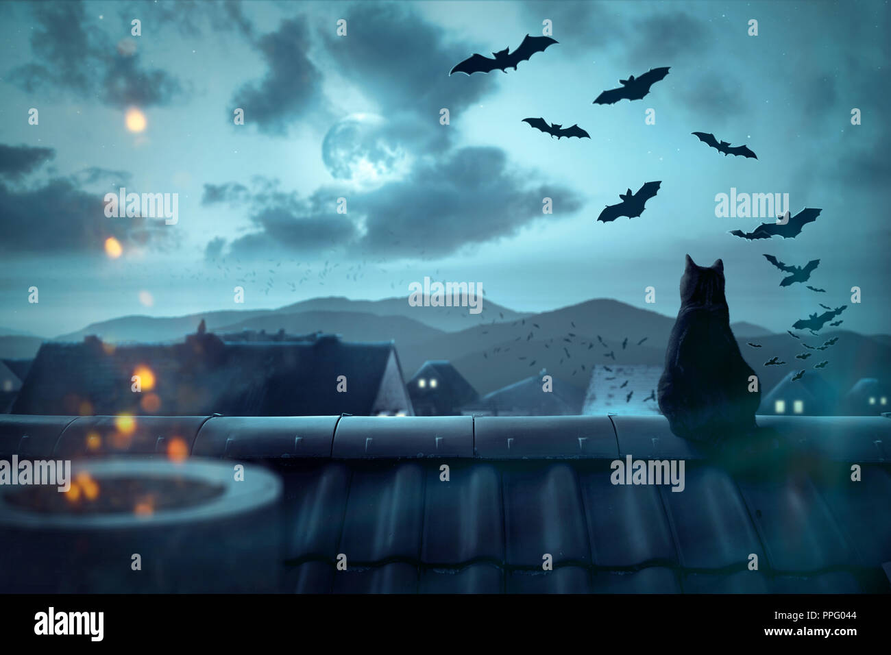 Spooky atmosphere over the rooftops - Stock Image