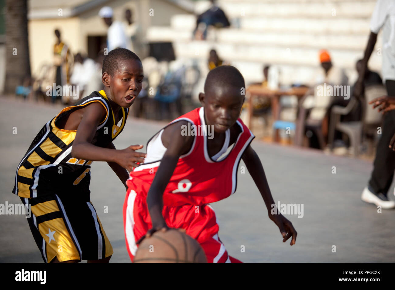 6e552f2757ef January 7, 2011 - Juba, Sudan - Southern Sudanese basketball players  compete in a local match in Juba basketball stadium in Nimra Talata, two  days before ...