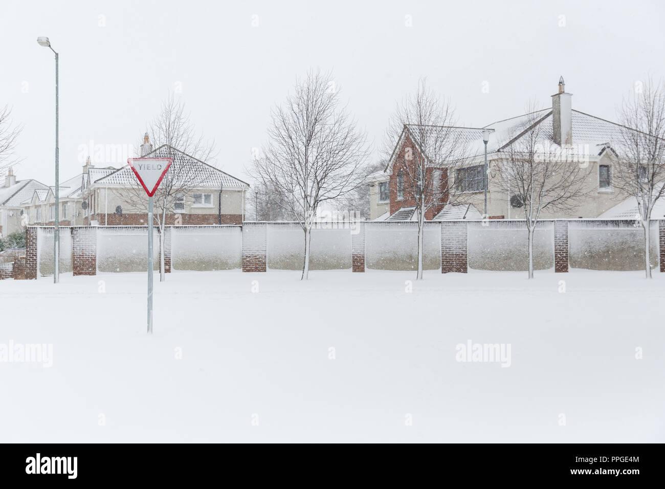 Snowed in housing estate in Celbridge, County Kildare, Ireland - Stock Image