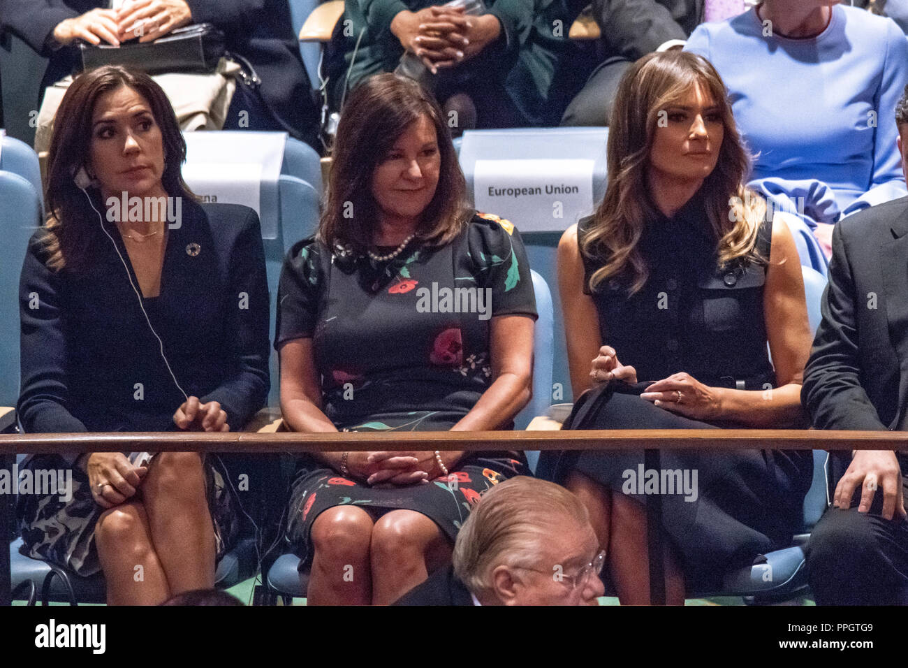 New York, USA, 25 September 2018. USA's First Lady Melania Trump (R) and Karen Pence (C), wife of U.S. Vice President Mike Pence waits in a side gallery along with wives of other delegates before her husband US President Donald Trump addresses the opening session of the 73rd United Nations General Assembly. Photo by Enrique Shore Credit: Enrique Shore/Alamy Live News Stock Photo