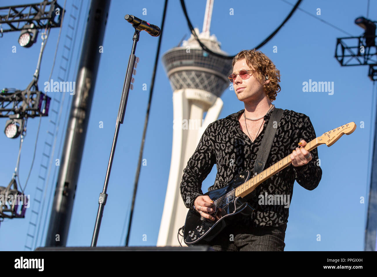 Hd55 Luke Hemmings 5 Seconds Of Summer Music: 5sos And Stage Stock Photos & 5sos And Stage Stock Images