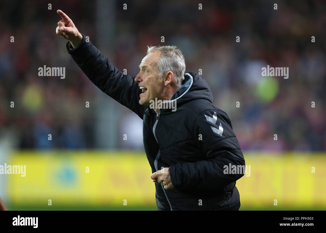 firo: 25.09.2018 Football, Football: 1. Bundesliga, Season 2018/2019 SC Freiburg - S04 FC Schalke 04 SCF coach, Christian Streich, gesture, gesture,   usage worldwide - Stock Image