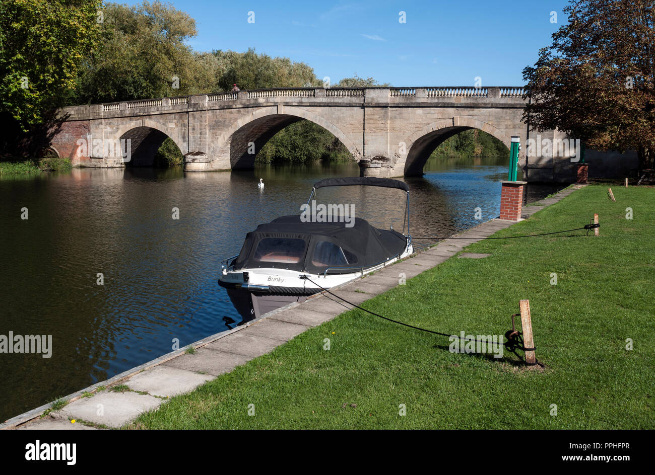 Shillingford bridge on the River Thames, Oxfordshire, England, UK - Stock Image