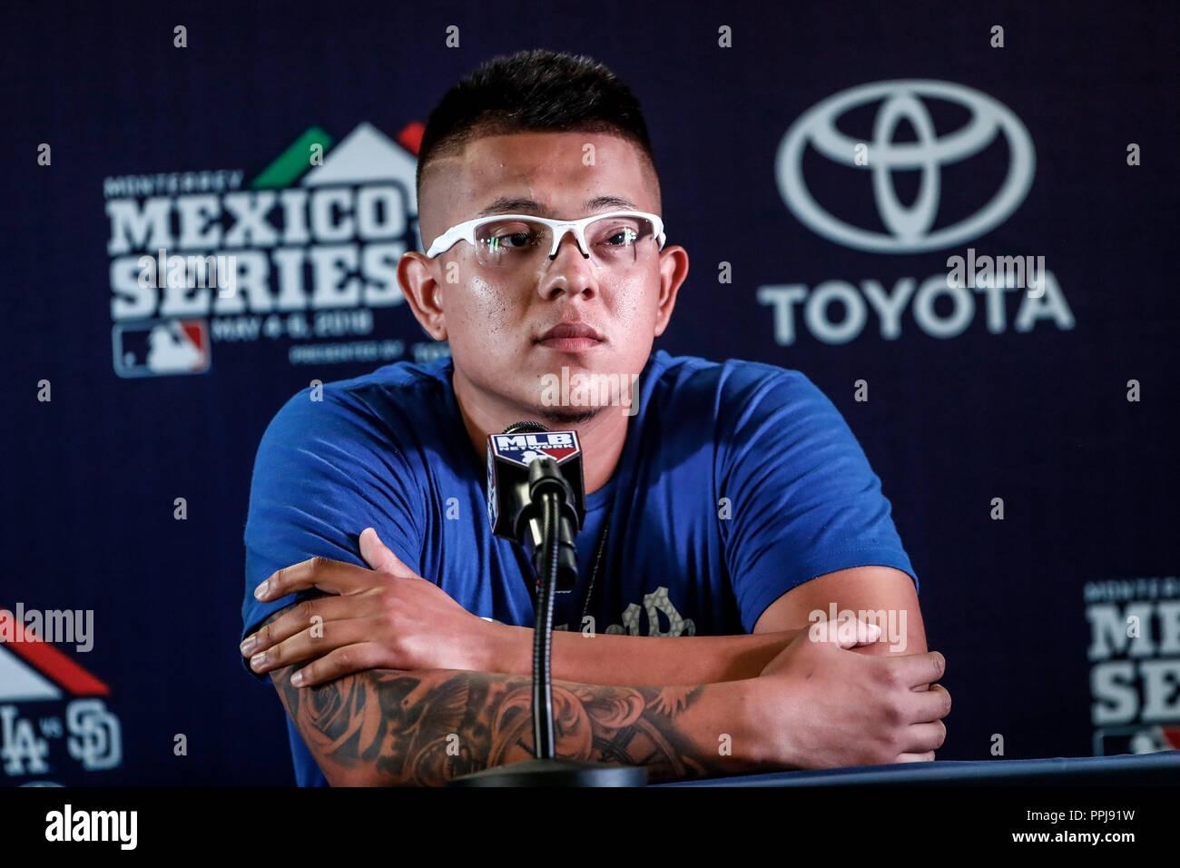 Julio Urias pitcher  mexicano de los Dodgers de LA en rueda de prensa, previo al partido de los Dodgers de Los Angeles contra Padres de San Diego, dur - Stock Image