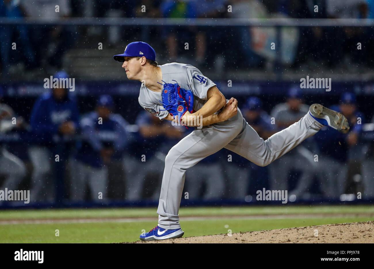 Walker Buehler pitcher inicial de dodgers, durante el partido de beisbol de los Dodgers de Los Angeles contra Padres de San Diego, durante el primer j - Stock Image