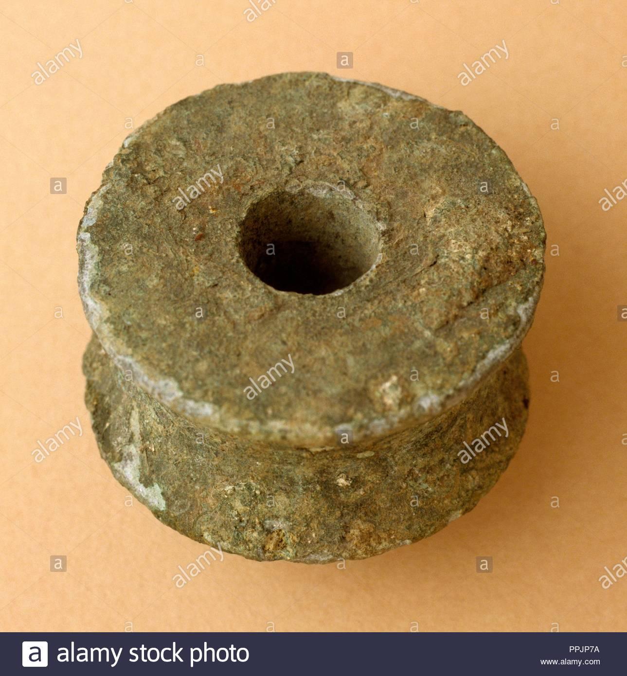[Image: bronze-pulley-from-baelo-clauia-roman-en...PPJP7A.jpg]