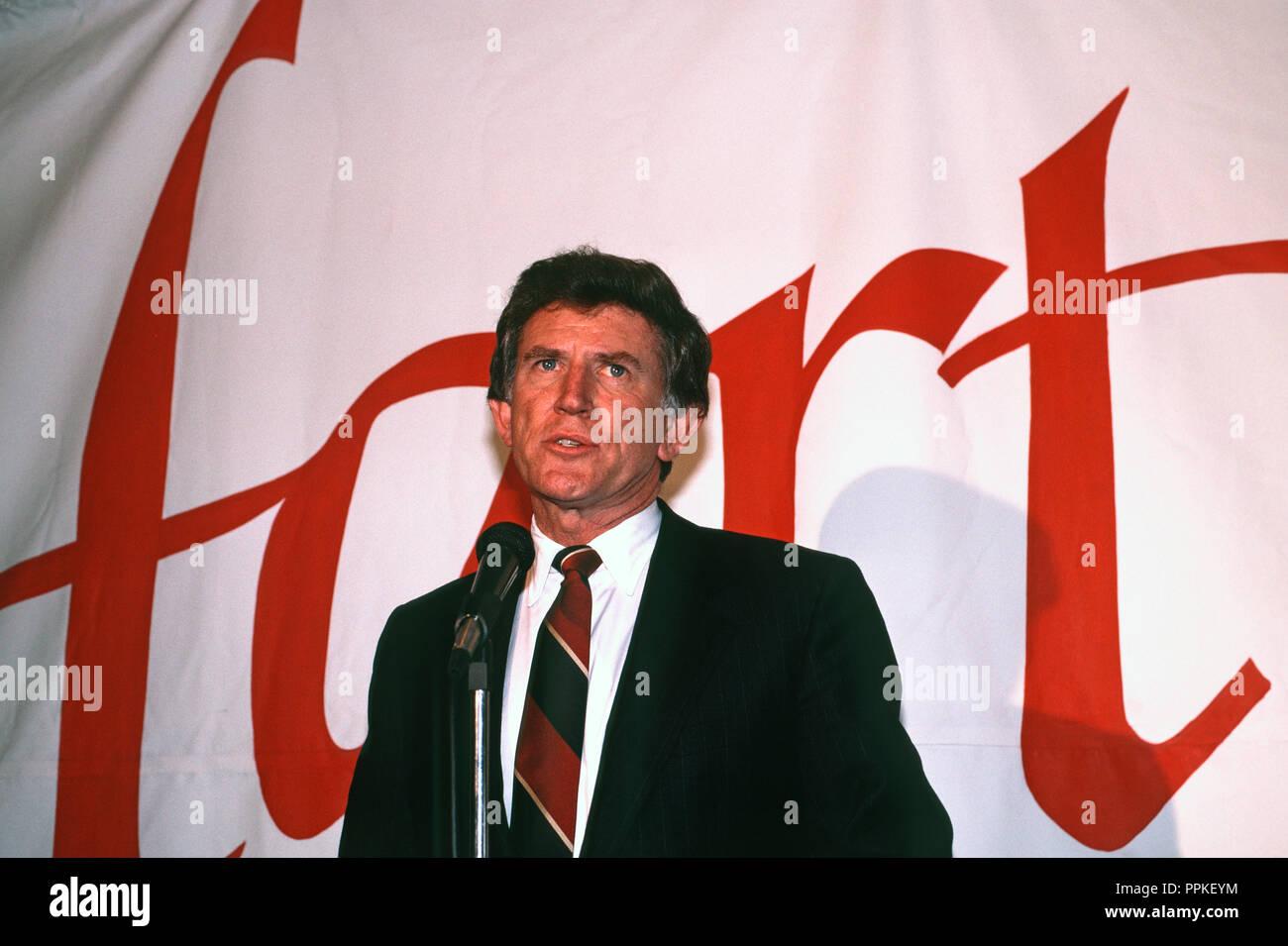 former US Senator Gary Hart running for Senator Gary Hart running for the Democratic presidential nomination in 1988, in San Francisco, California - Stock Image