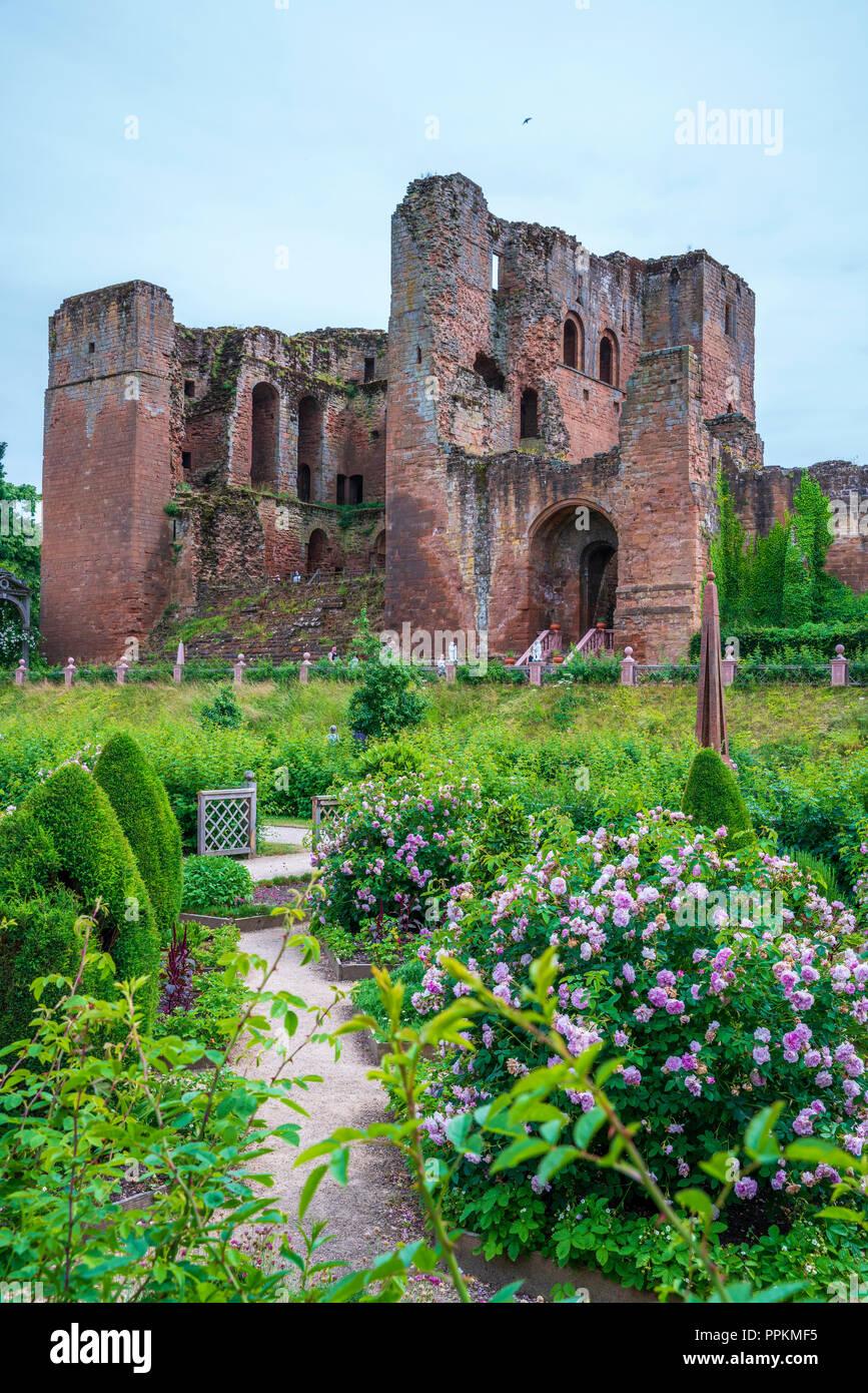 Kenilworth Castle, Warwickshire, West Midlands, England, United Kingdom, Europe - Stock Image