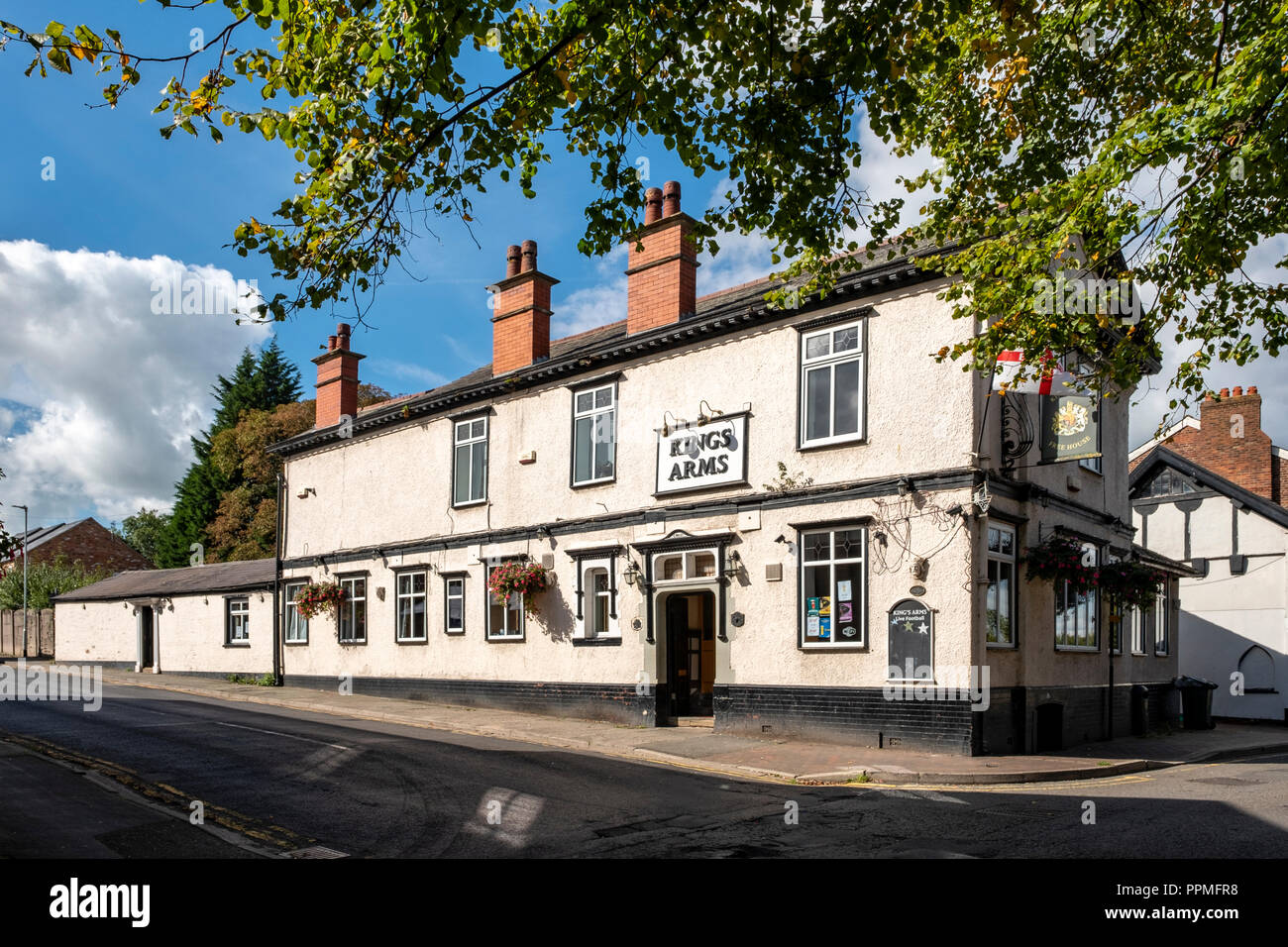 Kings Arms pub in Middlewich Cheshire UK - Stock Image
