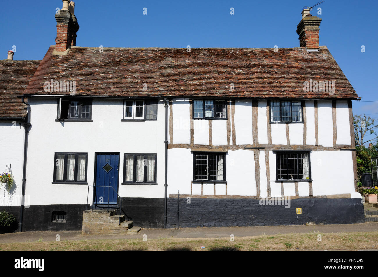 Row of timbered cottages in the High Street, Silsoe, Bedfordshire - Stock Image