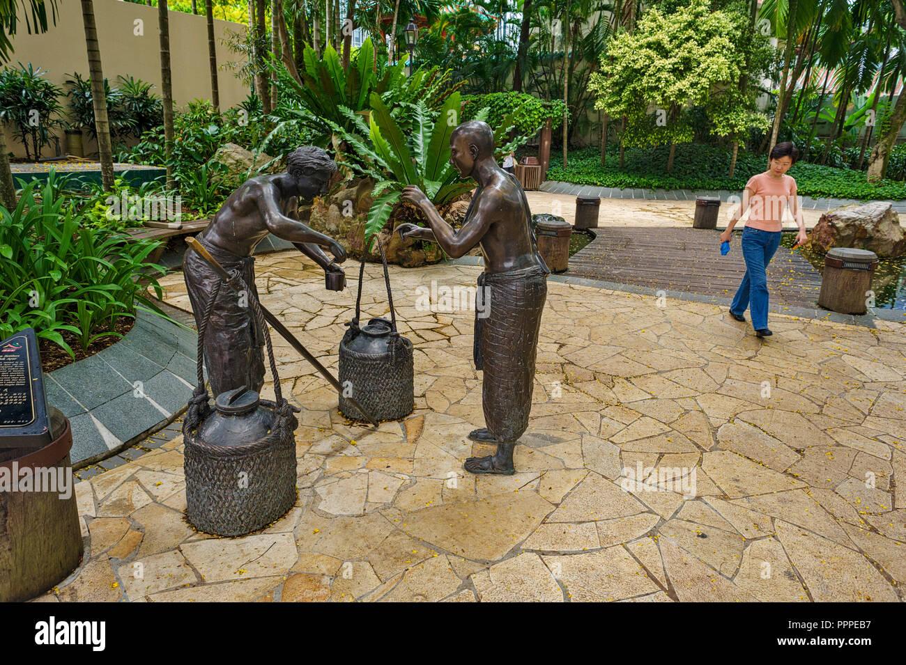 Singapore, Indian Settlers of Telok Ayer, Telok Ayer Street, masterpieces of local sculptor Lim Leong Seng - Stock Image
