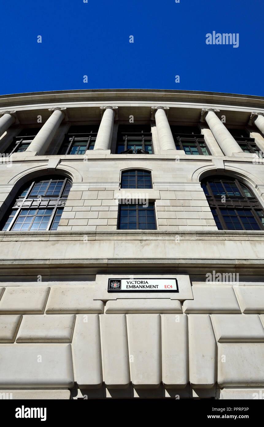 Unilever House (1933: Neoclassical Art Deco) at 100, Victoria Embankment. London, England, UK. Stock Photo