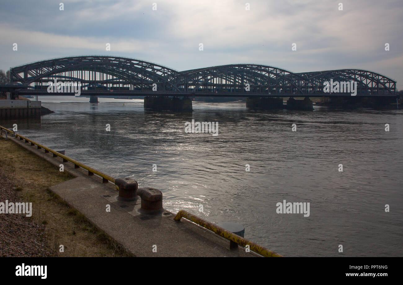 Hamburg, Eisenbahn-Norderelbebrücke, Blick von Westen - Stock Image