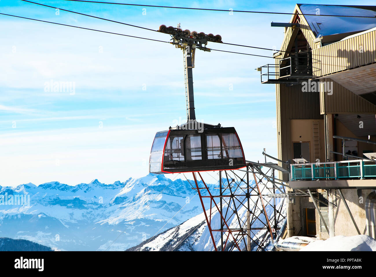 Cable Car from Chamonix to the summit of the Aiguille du Midi and lift station high in the mountains Chamonix, France. - Stock Image