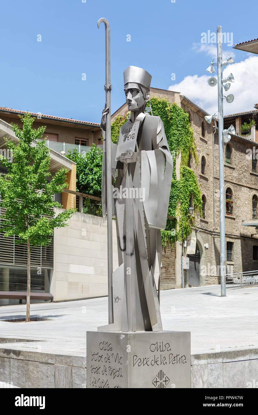 VIC, SPAIN - JUNE 19, 2014: Monument a l'abat i bisbe Oliba. In 1025 Oliba founded the monastery of Montserrat - Stock Image