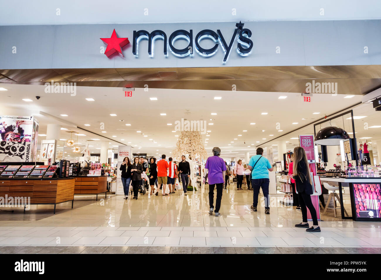 Miami Florida Kendall Dadeland Mall shopping Macy's Department Store inside front entrance - Stock Image
