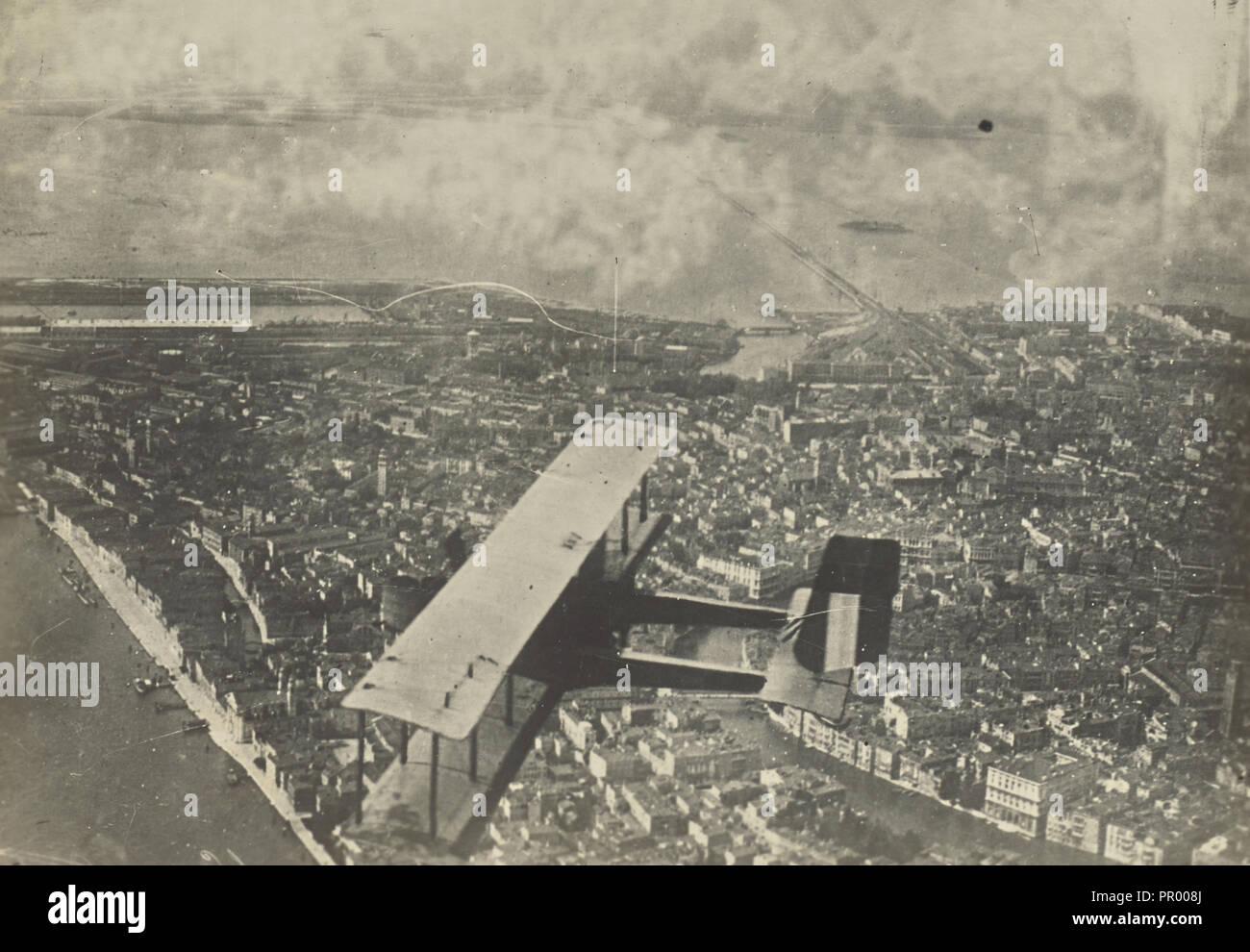 Aerial shot of an airplane over Venice; Fédèle Azari, Italian, 1895 - 1930, Italy; 1914 - 1929; Gelatin silver print - Stock Image