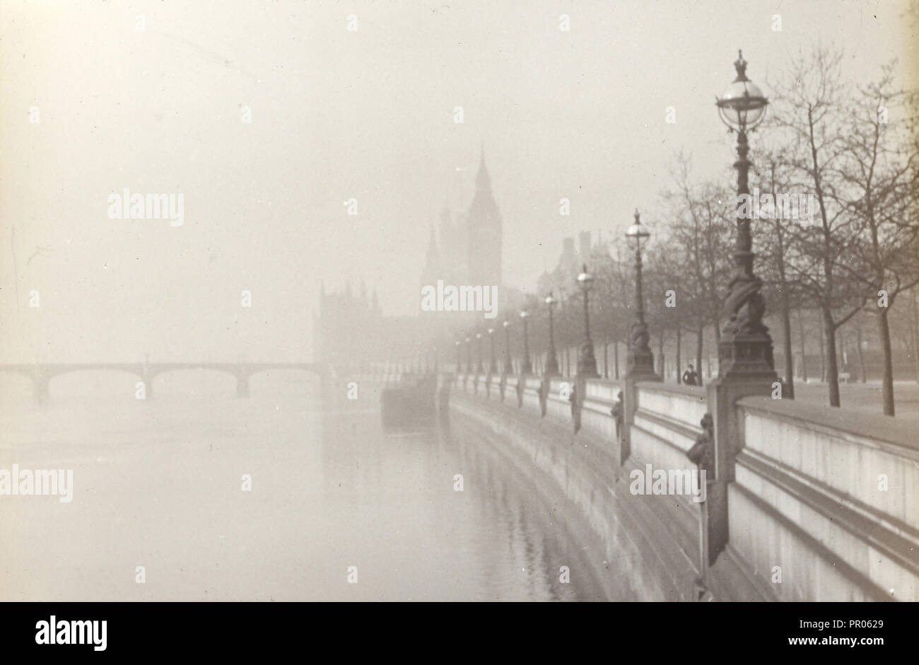 London. Embankment; Frederick H. Evans, British, 1853 - 1943, 1908; Lantern slide; 4.2 x 6.4 cm 1 11,16 x 2 9,16 in - Stock Image