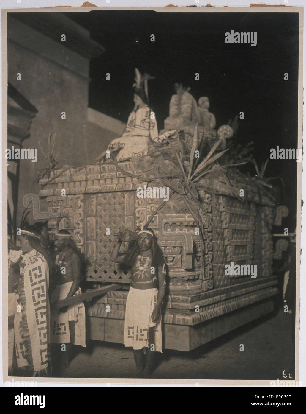 Parade float representing a precolumbian altar with Chac Mool on top, Photographs relating to early 20th century Mexican history - Stock Image