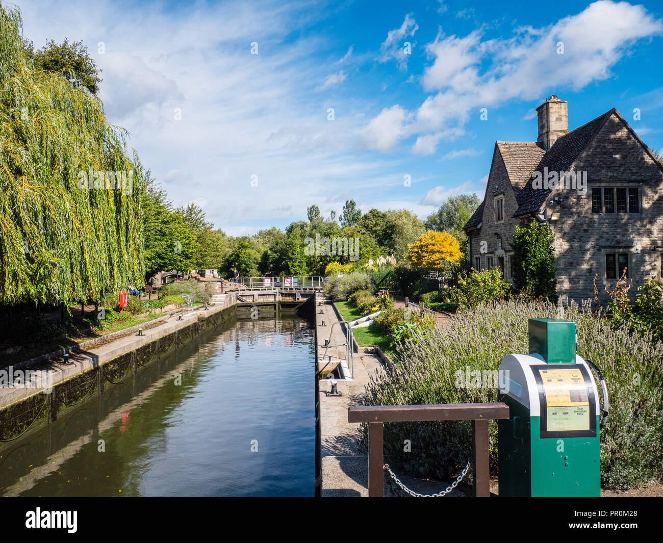 Iffley Lock, River Thames, Oxford, Oxfordshire, England, UK, GB. Stock Photo