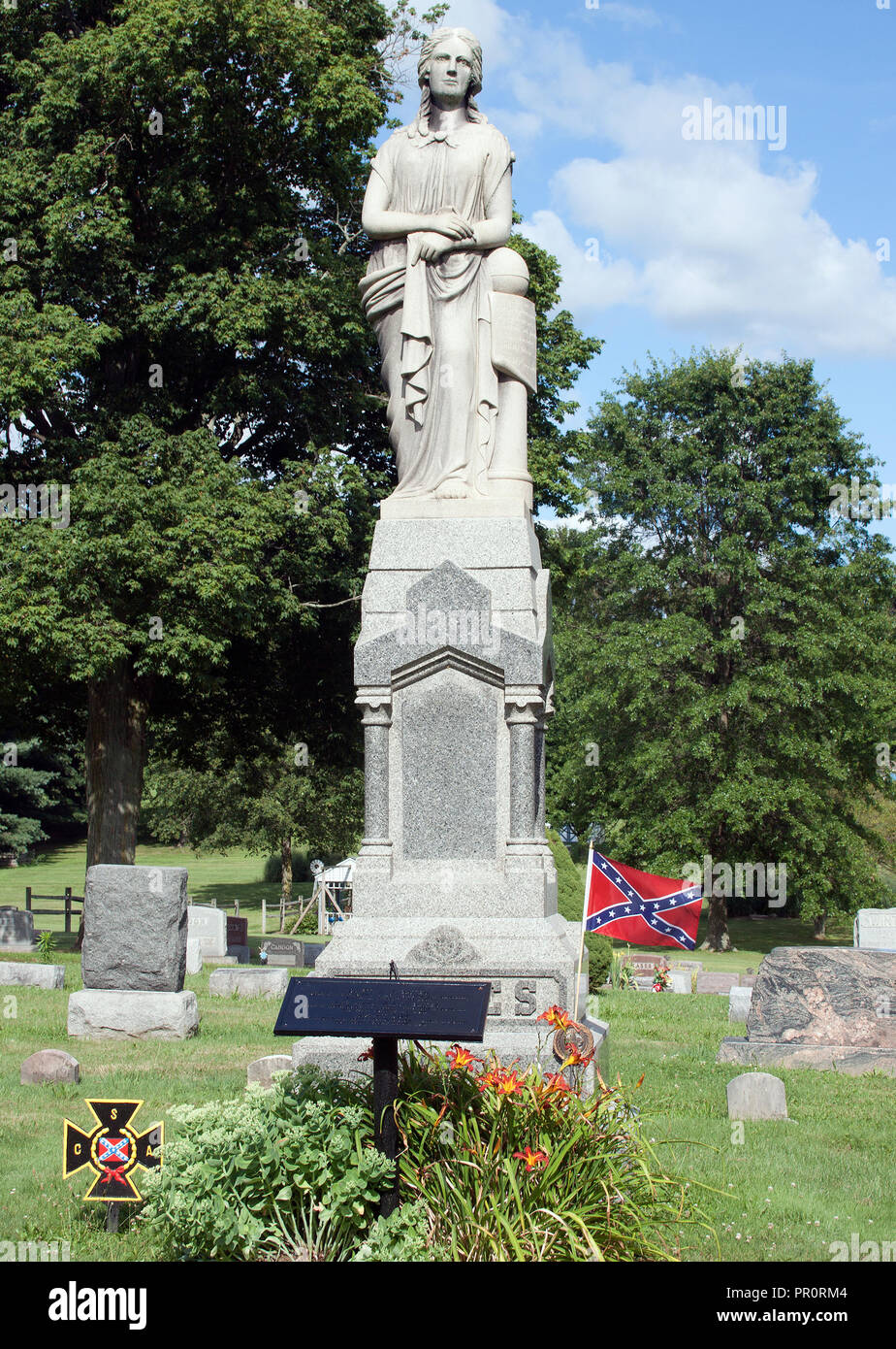 Married Giants Grave in Seville, Ohio - Stock Image