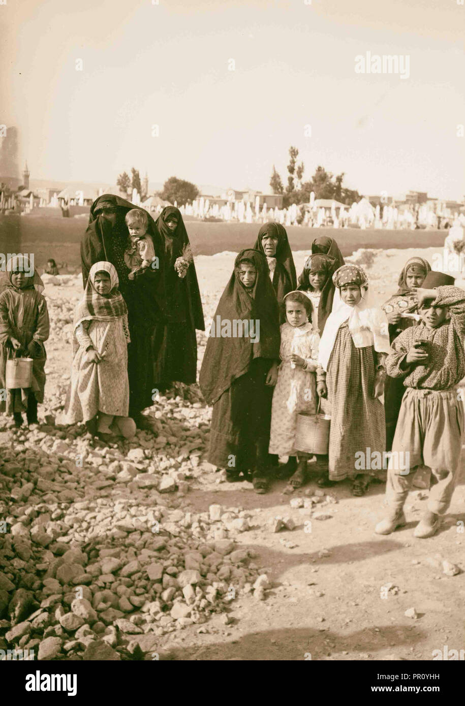 Unveiled Muslim women 1900 Middle East - Stock Image