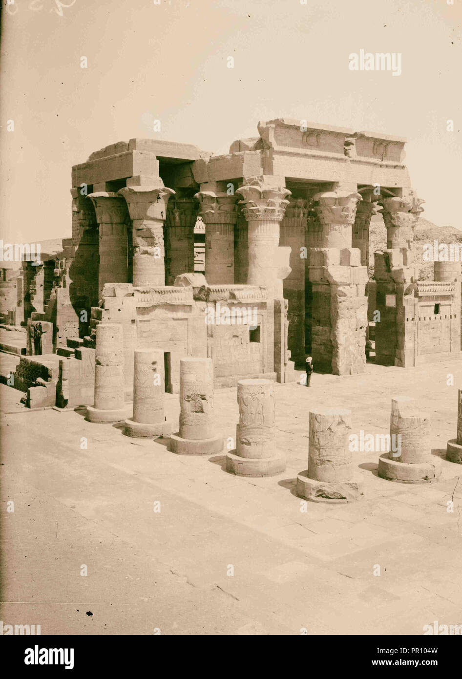 Egyptian views; Kom-Ombo. Temple of Sobk and Horoeris. 1900, Egypt Stock Photo