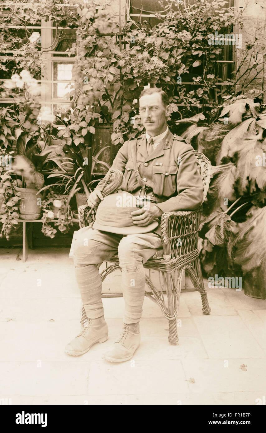 The surrender of Jerusalem to the British, December 9th, 1917 Major Barry, the first British officer to arrive. 1917, Jerusalem - Stock Image