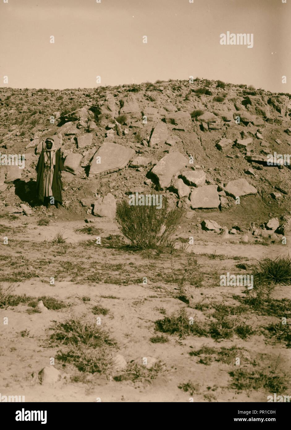 Geology. Neo Pliocene sand beds near Kurnub. 1900, Israel, Mampsis, Extinct city - Stock Image