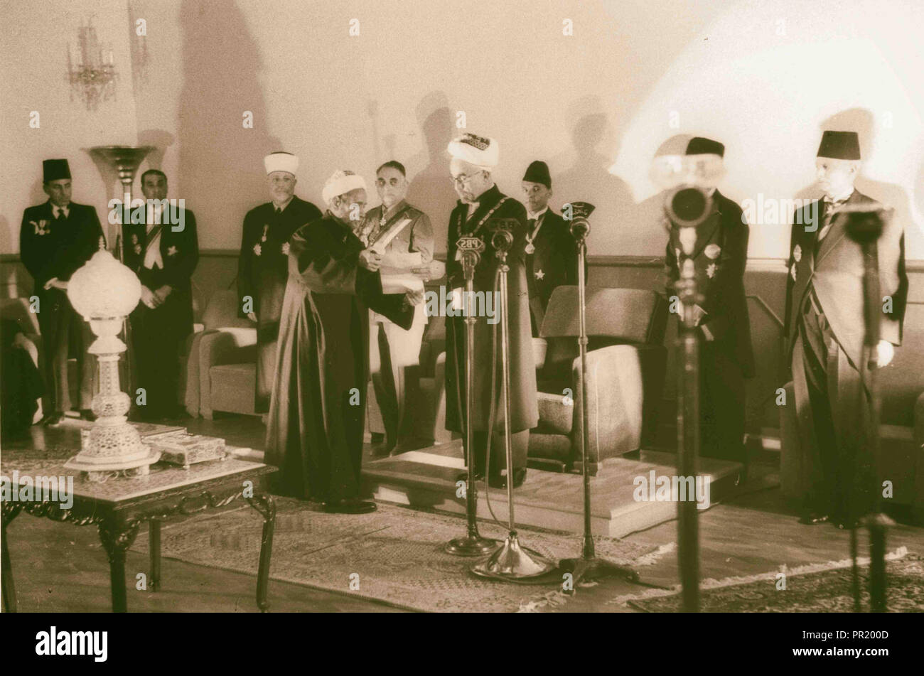 Coronation' of King Abdullah in Amman. Sheik handing King Abdullah proclamation of the 'crowning'. 1946, Jordan, Amman Stock Photo