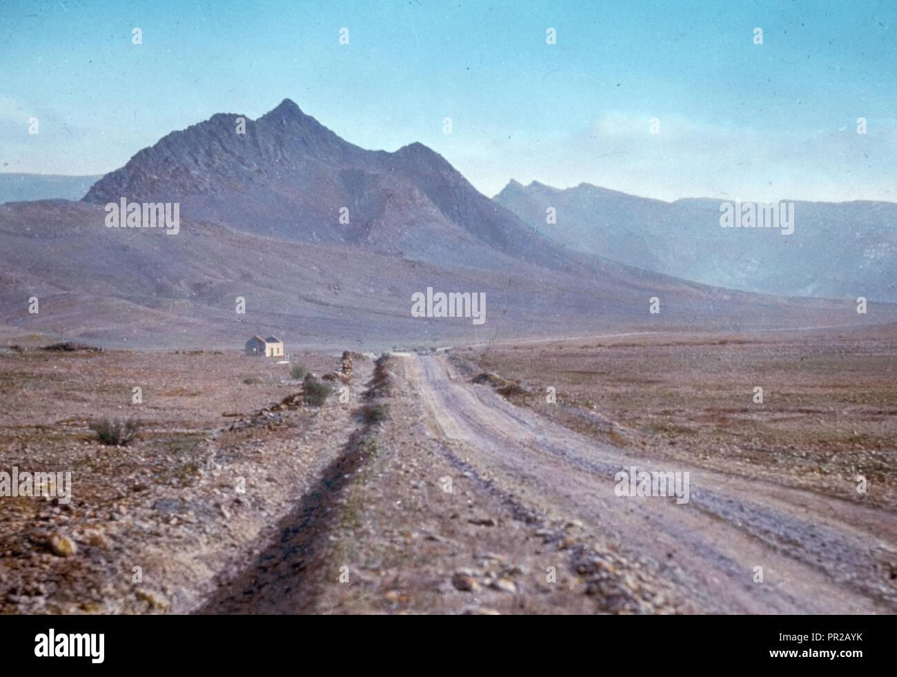 Sinai. South East of Jebel Hellal (possibly Kibroth Hattavah). Num. 1134. 1950, Egypt, Sinai - Stock Image
