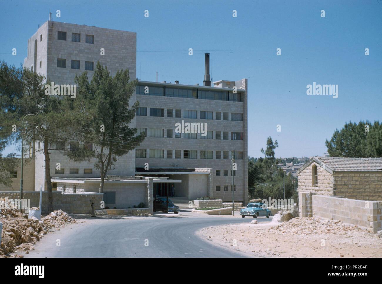 Embassador Hotel on Mt. Scopus. Photograph shows the Ambassador Hotel, Sheikh Jarrah, East Jerusalem. 1948, Jerusalem, Israel - Stock Image