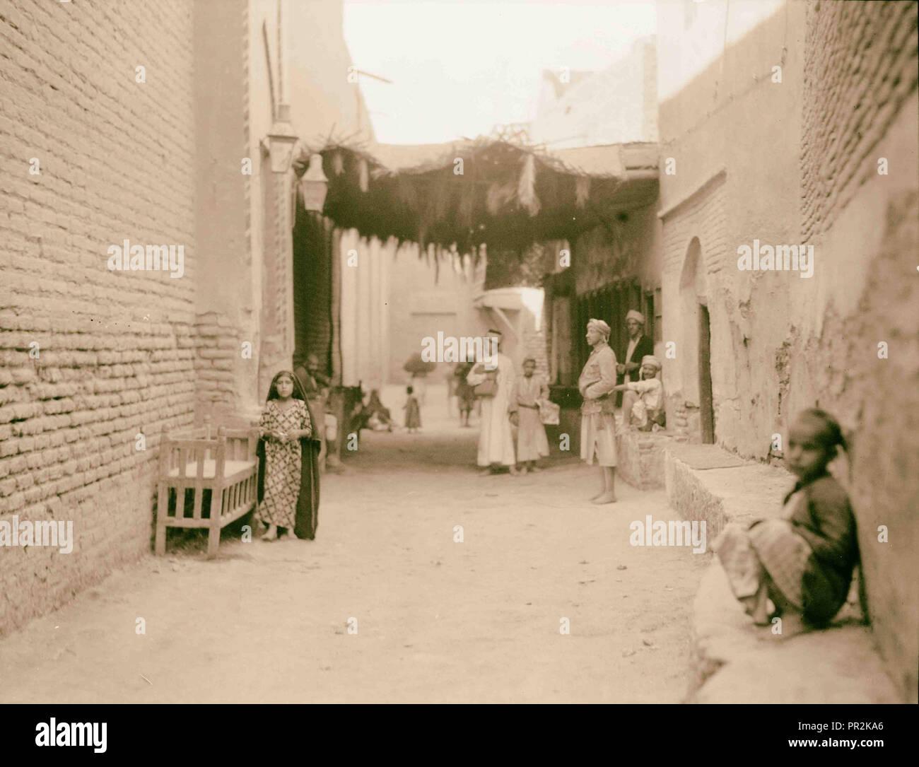 Iraq. Nejaf. First sacred city of the Shiite Moslems [i.e., Muslims]. A main street. 1932, Iraq, Najaf - Stock Image