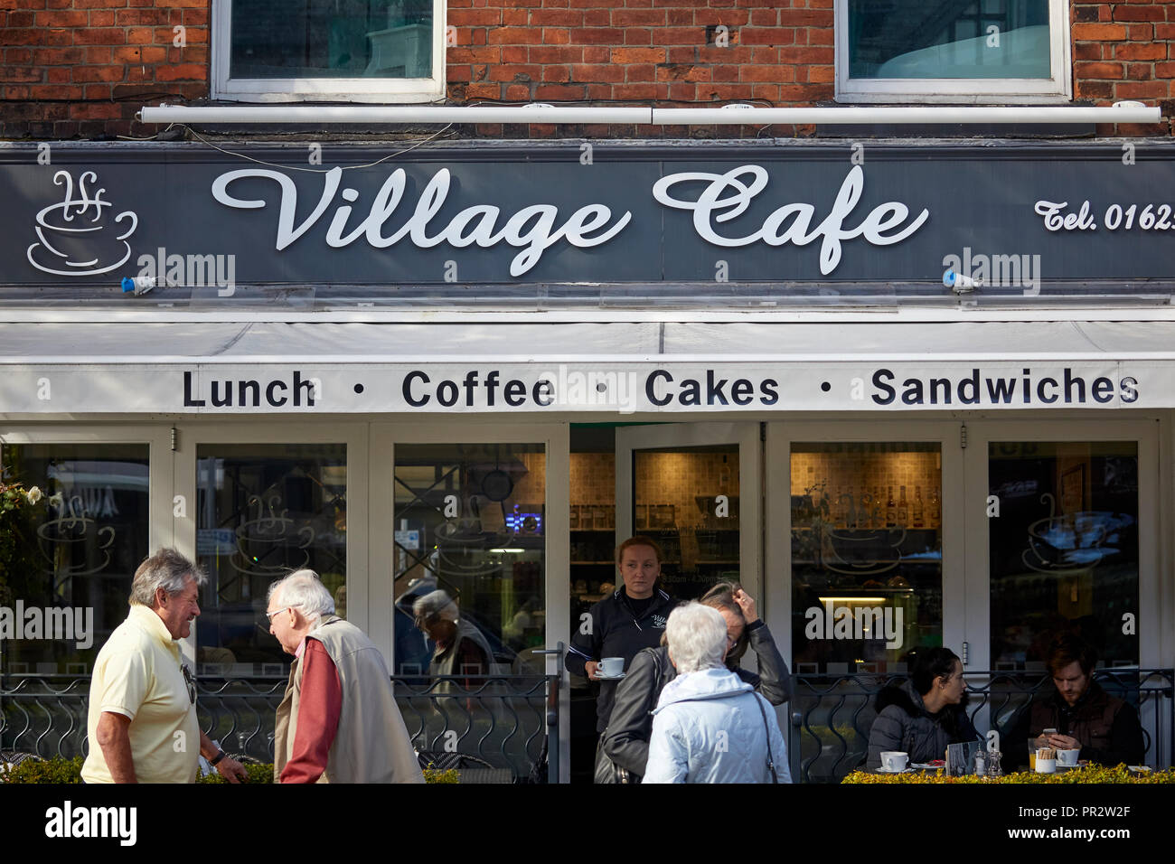 Alderley Edge, Cheshire, England. Village Cafe in the   village on London Road - Stock Image