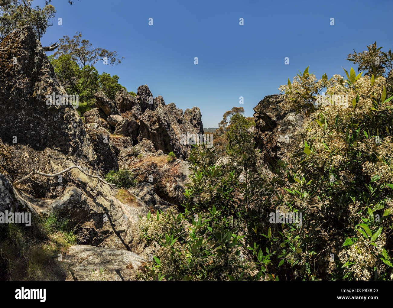 Hanging rock. - a mountain in the Central Australian state of Victoria, about 70 km Northwest of Melbourne. - Stock Image