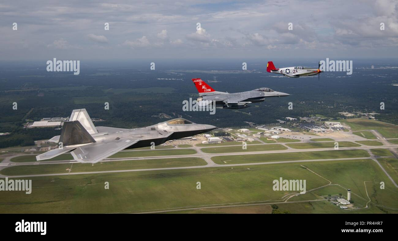 A U S  Air Force F-22 Raptor, F-16 Fighting Falcon and a